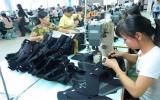 Mức thưởng tết cho công nhân:May mặc tạm được, giày da yếu!
