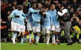 """Bán kết lượt đi Carling Cup 2009-2010, Man City - M.U: 2-1: Màn """"báo thù"""" ngọt ngào của Carlos Tevez!"""