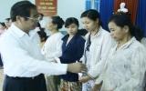 Đoàn cán bộ lãnh đạo tỉnh thăm, tặng quà và chúc tết đối tượng chính sách