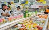 Giá cả hàng hóa phục vụ tết: Chợ truyền thống tăng, siêu thị ổn định