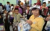 Tết về với trẻ em nghèo…