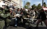 Châu Âu tê liệt vì làn sóng biểu tình, bãi công ồ ạt