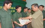 Khen thưởng đột xuất tập thể Công an xã Khánh Bình vì có thành tích phá án nhanh