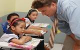 Học ngoại ngữ từ lớp 3: Còn nhiều khó khăn