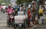 TP.HCM: Khát nước sạch, dân phải mua nước với giá 'cắt cổ'
