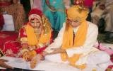 Hủy bỏ hôn lễ tới 18 lần vì cô dâu là một... chú bé