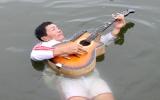 Người có khả năng tự nổi trên mặt nước