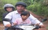 Người mù đi xe máy