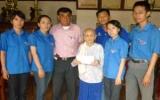 Báo Bình Dương: Thăm và tặng quà mẹ Việt Nam anh hùng Nguyễn Thị Mua