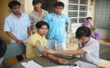 Tân Uyên: Tặng 50 phần quà cho thanh niên công nhân có hoàn cảnh khó khăn