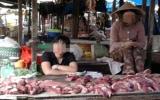 Trong cơn dịch bệnh heo tai xanh:  Thịt heo siêu thị vẫn đắt hàng