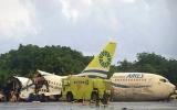 Máy bay bị gãy làm ba, 130 người thoát chết kỳ diệu