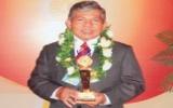 Nghệ nhân Nguyễn Văn Năm (Thuận An): Nhận danh hiệu Doanh nhân - Doanh nghiệp Việt Nam vàng 2009