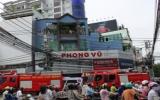 Cháy tại cửa hàng máy tính Phong Vũ