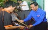 """Truy tặng huy hiệu """"Tuổi trẻ dũng cảm"""" cho """"hiệp sĩ"""" Nguyễn Xuân Chinh"""