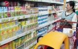 Sữa ngoại lại tăng giá chạy trước Thông tư