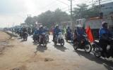 Tân Uyên: Tổ chức tuyên truyền Luật Giao thông đường bộ đến công nhân, học sinh