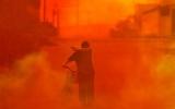 Thành phố Trung Quốc chìm trong khói đỏ