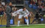 Mourinho: Không dễ để thi đấu trên..cánh đồng khoai tây