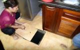 Rán trứng trên sàn nhà nóng hơn 70 độ C ở Hà Nội