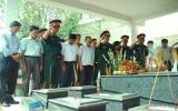 Lãnh đạo Bộ Quốc phòng thăm cơ sở cách mạng ở Thuận An
