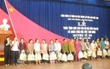 Hội LHPN Dĩ An: Trao tặng trên 100 phần quà cho hội viên phụ nữ nghèo
