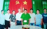 """Ban Đại diện cộng đồng người hoa TX.TDM: Thăm và động viên """"hiệp sĩ"""" phường Phú Hòa"""