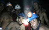 69 ngày dưới lòng đất, thợ mỏ Chile sống sót như thế nào?