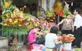 Quà tặng tràn ngập, hoa tươi tăng giá dịp 20-10