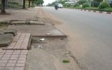 Cảnh báo nắp hố ga nhô cao trên đường