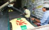 Thế giới tăng mua, Việt Nam hết gạo bán