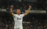 Ronaldo - Messi: Mặt trận vang tiếng súng