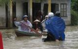 Nam Trung bộ: Lũ lên nhanh làm 7 người chết