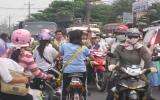 Học sinh đi xe đạp điện: Cần trang bị kiến thức an toàn giao thông