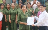 """Vietcombank Bình Dương: Trao tặng 50 căn nhà """"Nghĩa tình Trường Sơn"""""""