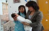 Bộ trưởng Bộ Lao động-thương binh xã hội Nguyễn Thị Kim Ngân thăm Trung tâm nhân đạo Quê Hương
