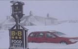 Bị mắc kẹt 8 ngày trong quán rượu vì tuyết