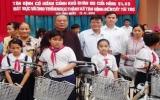 Tặng 50 chiếc xe đạp cho học sinh nghèo hiếu học