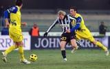 Juventus lỡ nhịp, Lazio thổi lửa vào gáy Milan