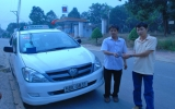 Lái xe taxi Vinasun trả lại tài sản khách để quên
