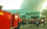 Cháy lớn tại công ty sản xuất nón bảo hiểm Longhuei