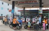 Các cửa hàng xăng găm hàng chờ tăng giá: Cần kiên quyết xử lý!