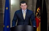 Bộ trưởng Quốc phòng Đức Guttenberg từ chức vì đạo văn