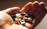 Bệnh nhân ung thư nguy hiểm vì uống thuốc tùy tiện