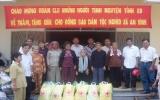 Hội Chữ thập đỏ tỉnh: Tặng quà cho đồng bào nghèo xã An Bình, huyện Phú Giáo