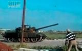 Xe tăng quân đội Syria tấn công điểm nóng biểu tình