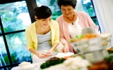 Viết về mẹ chồng nhân Ngày của mẹ (8-5)