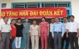 Công ty TNHH MTV XSKTBình Dương trao tặng nhà tình thương cho 2 hộ nghèo