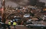 Mỹ: Lốc xoáy làm 30 người chết