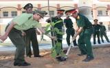 """Lực lượng vũ trang tỉnh: Ra quân trồng cây """"Đời đời nhớ ơn Bác"""""""